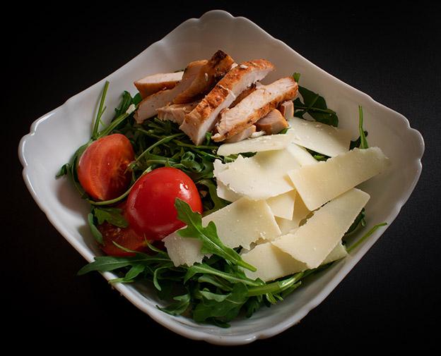 Salata rucola cu pui